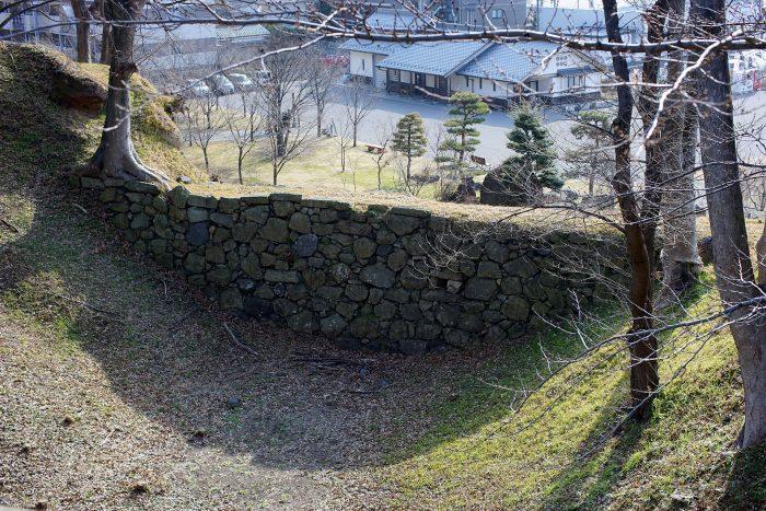 本丸堀南端の石垣