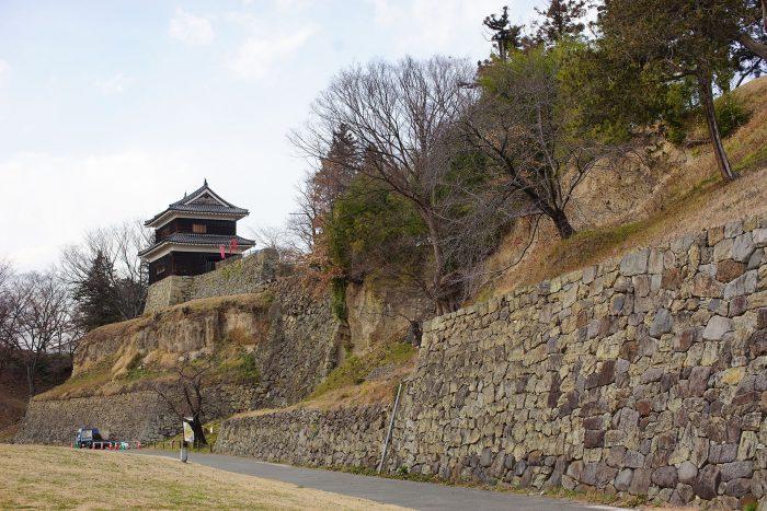 崖面の石垣