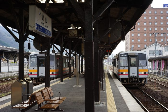 津山駅:キハ120形①