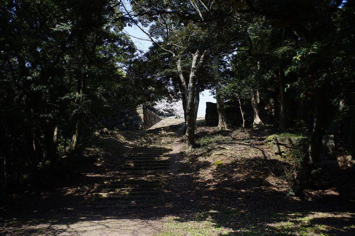 内膳丸の石段