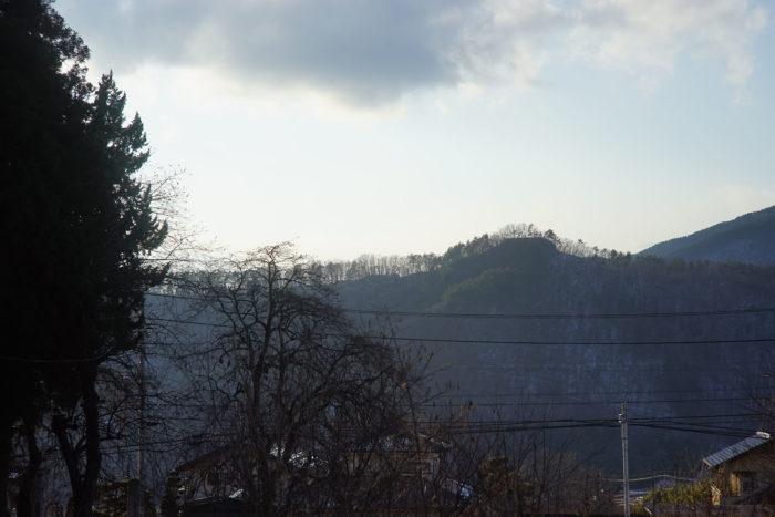 廣山寺から見た砥石城