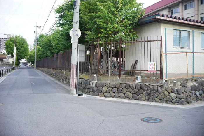 上田高校の北西角
