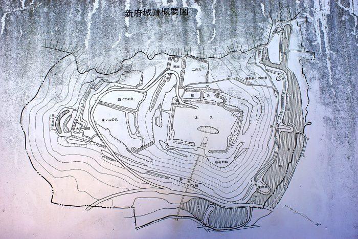新府城跡概要図