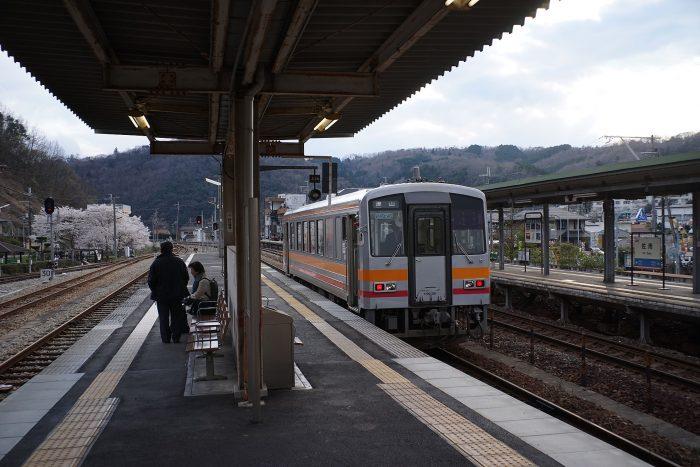 佐用駅:キハ120形