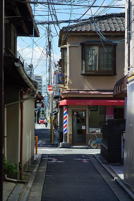 中景/絞り:f5.6