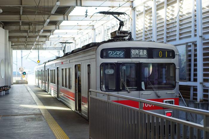 別所線上田駅